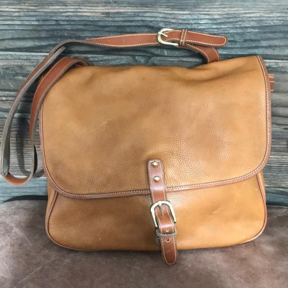 no brand Bags   Great Vintage Caramel Leather Messenger Bag   Poshmark a30d12716e